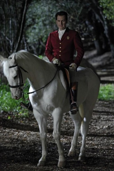 "True Blood: Season 3 ""Your Majesty"" Vampire King - Denis Ohare"