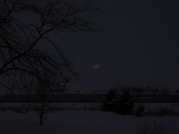 Lunar Eclipse 2 - 12-10-2011