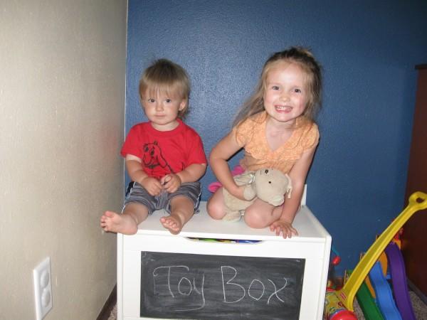 Ginger Jack toy box