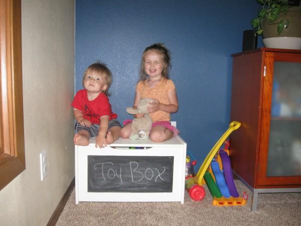Ginger Jack toy box 2