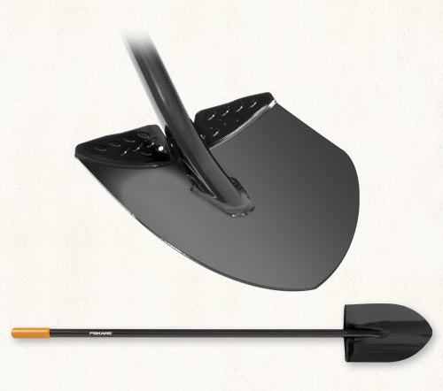 Fiskars long handled digging shovel