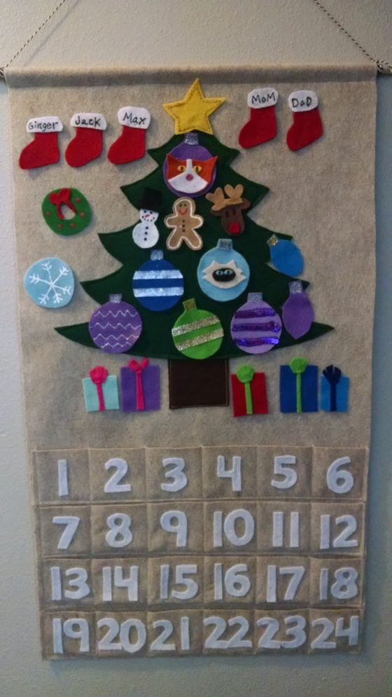 Customized Advent Calendar - with Family, Pet Names on Christmas Tree Ornaments 1